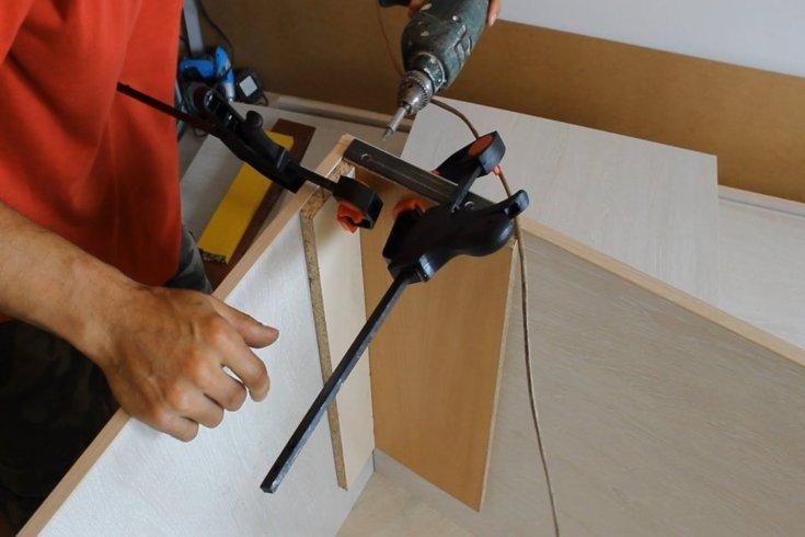 Установка дверей купе 38 фото монтаж межкомнатных купейных изделий в нишу или проем сборка своими руками навесной модели