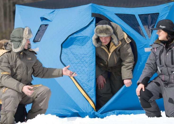 Как обустроить палатку для зимней рыбалки